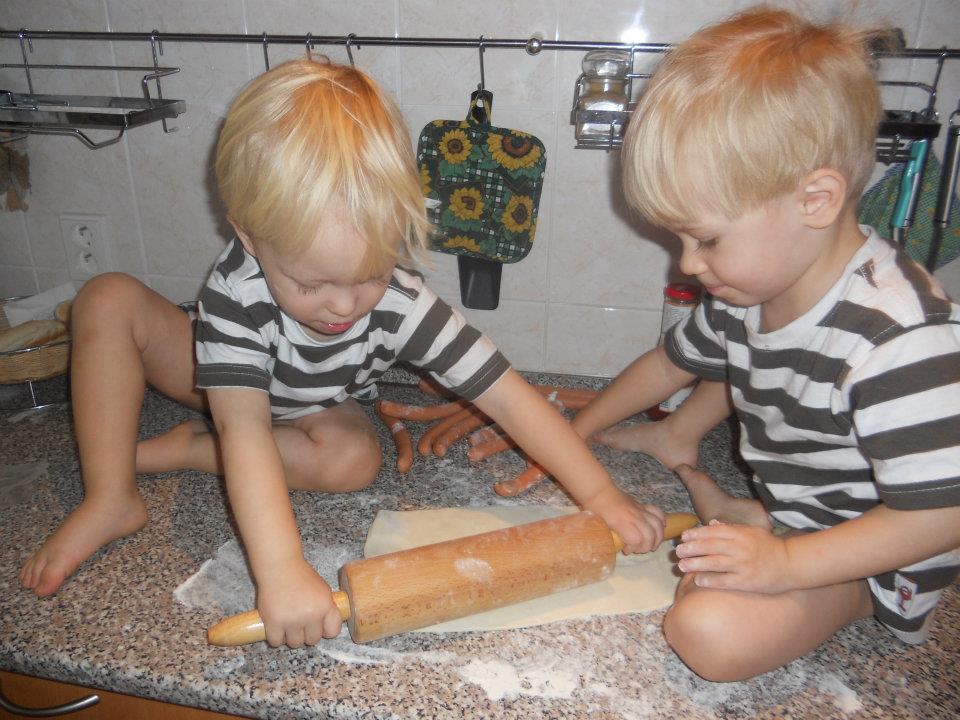 zlatovlasí andílci, dvojčátka Tomáš a David