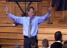 pastor doporučuje, jak se chovat k homosexuálním dětem