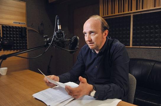 Jan Vondráček při natáčení Sběratele kostí