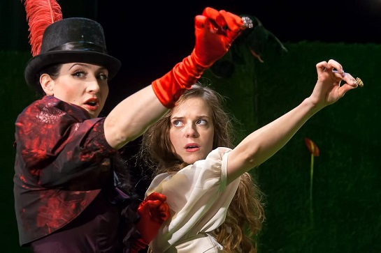Svatava Milková a Sandra Černodrinská v hlavních ženských rolích (Foto Petr Veselý)