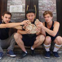 3_ Lámání chleba Tomáš Červinek_Jacob Erftemeijer_Petr Buchta_foto Jozef Hugo Čačko_repro zdarma